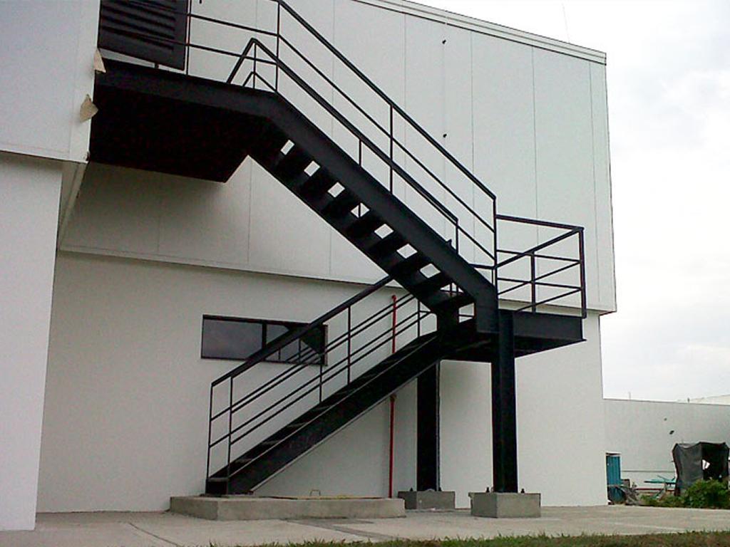 06 Estructuras Metalicas Escaleras de Servicio