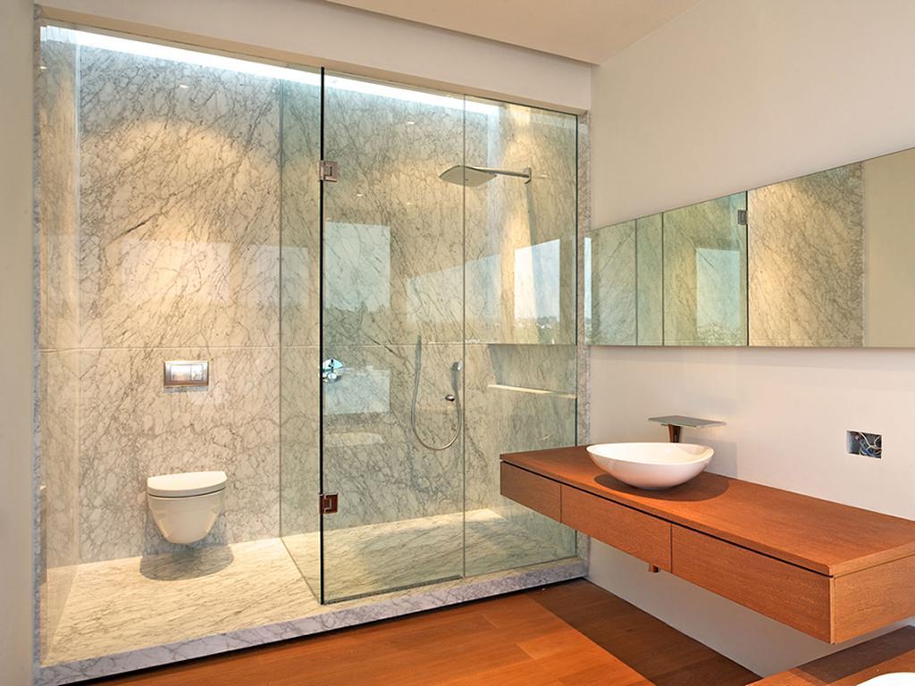 10 Construccion de Aluminio y Cristal Canceles de Baño