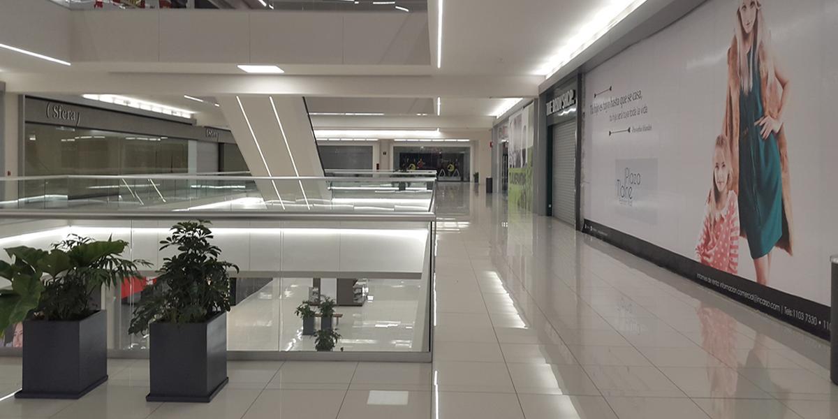 12 Instalaciones de Iluminacion Centro Comercial
